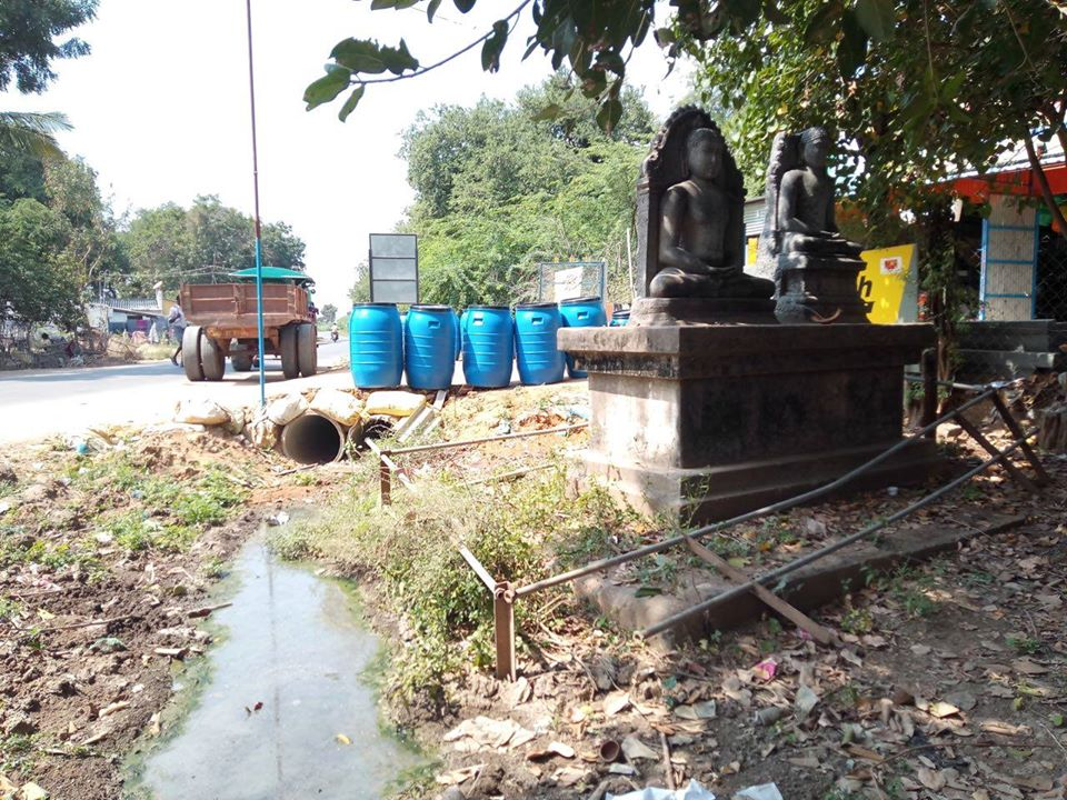 The two ancient Buddha statues at Viikiramangalam, Ariyalur dist., Tamil Nadu are kept in a bad condition.
