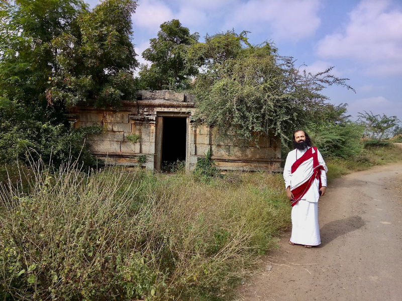 Buddhism in Kallakurichi, Tamil Nadu. Dilapidated Vihara / Buddhist Temple near the ancient Buddha statue of Ulagiyanallur, Kallakurichi.